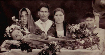 Scary Old Family Portraits 6 more creepy urban legends (that happen to ...
