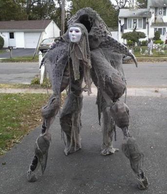 6 halloween costumes you wont believe arent cgi cracked manbuddha via costume works solutioingenieria Choice Image