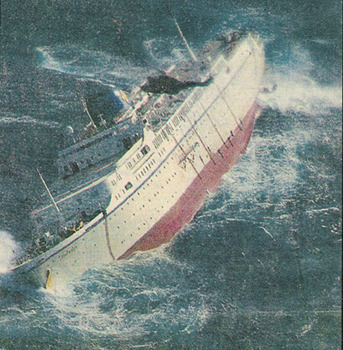 Nobodies Who Turned Into Action Heroes Without Warning - Sinking cruise ship oceanos