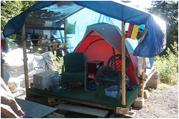 Magenta Vaughn So less  hippie c&out  and more  apartment with a realllllyyy open floor plan.  : homeless living in a tent - memphite.com