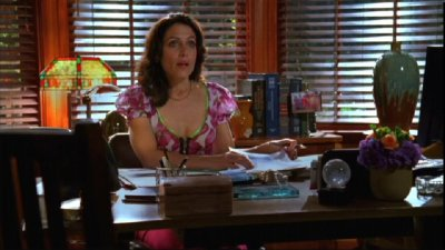 The 6 Most Gratuitously Cleavaged Women on TV