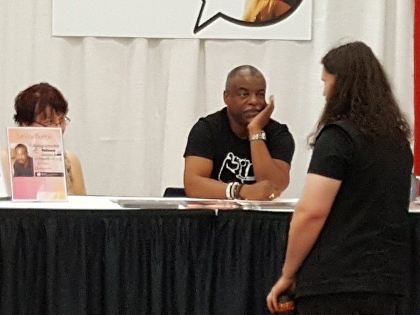 5 Depressing Things I Saw At My Local Small Town Comic-Con