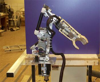 5-finger robot arm by Autumn Siegel