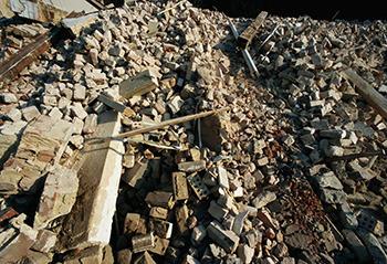 6 Odd Things Doomsday Preppers Stockpile (That Make Sense)