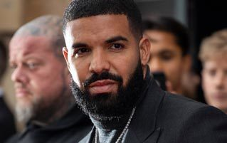 Drake Just Can't Stop Texting Teenage Girls