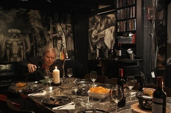 Nine out of 10 Giger dinner guests lost their appetite within seconds.
