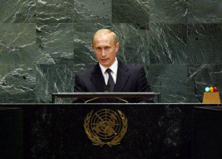 7 Signs That Vladimir Putin Has Become a Bond Villain