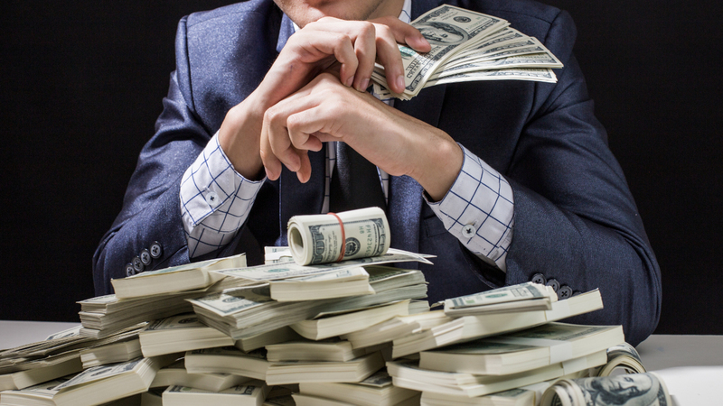 5 Ways Being Rich Messes Up Your Mind (According To Science)
