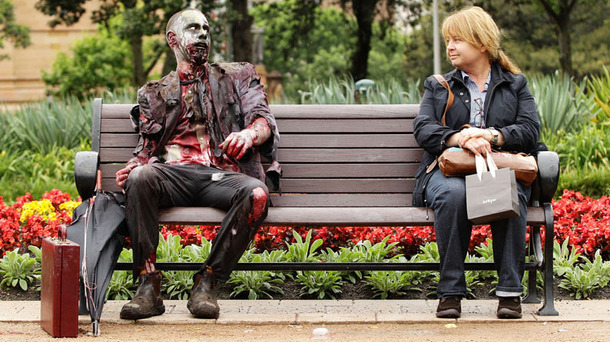 6 Things That Never Make Sense About Zombie Movies