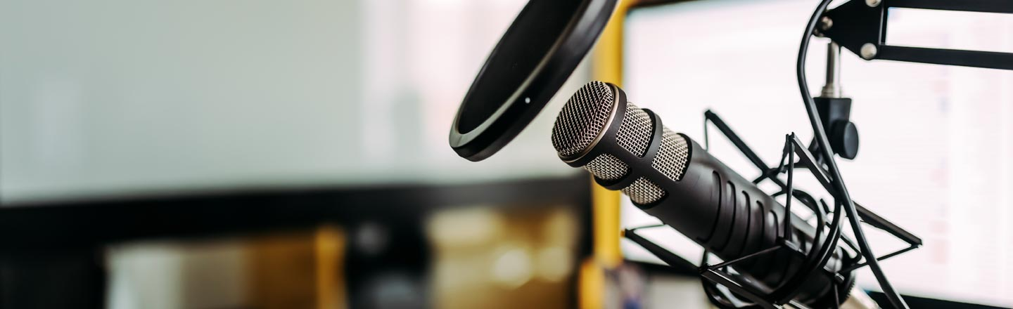 Everybody Loves Podcasts, Start Your Own With This Bundle