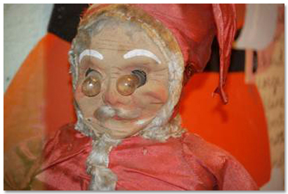 10 Christmas Decorations That Will Haunt Your Dreams