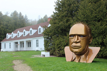 8 Statues Of Famous People (That Look Absolutely Insane)