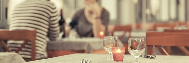 7 Ways Restaurants Screw You Over (With Science)