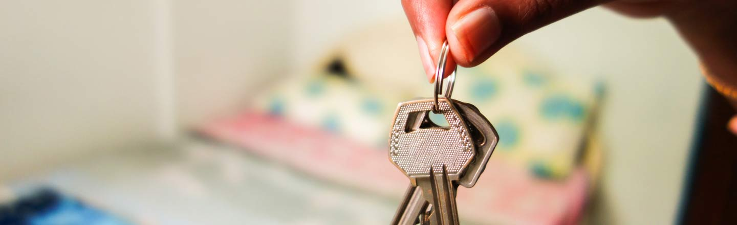 6 Creepy Landlords Who Will Give You Nightmares