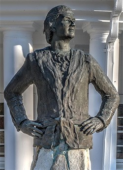 5 Forgotten Times Presidents Narrowly Escaped Death - a statue of Junaluska, a Cherokee who saved Andrew Jackson's life