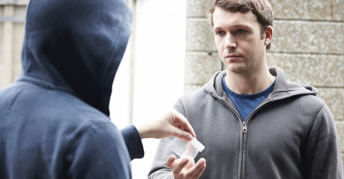 5 Things No One Thinks About When Buying Illegal Drugs