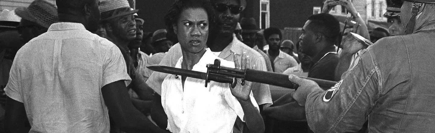 5 True Stories Behind Iconic Pictures of Badass Women