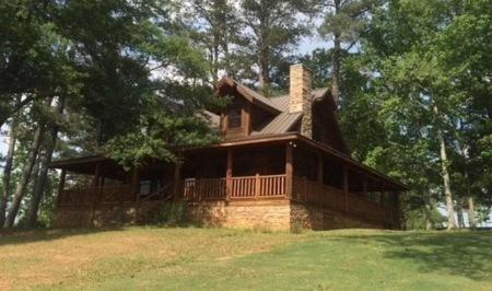 Someone Found Iron Man's 'Endgame' Cottage on Airbnb
