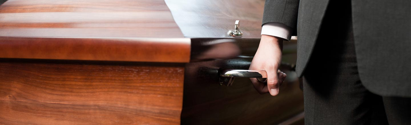 The 6 Worst Things That Can (And Did) Happen at a Funeral