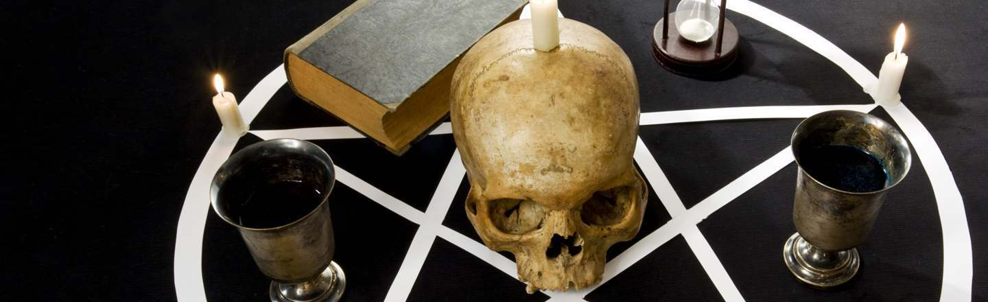 5 Eerie Ways Entire Groups Went Insane Science Can't Explain