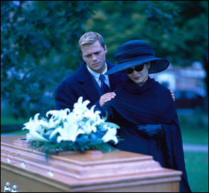 5 Tips for Writing the Perfect Eulogy (For Someone You Hate)