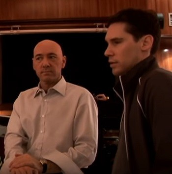 4 Superman Movie Scenes That Were Dumb AF In Retrospect Bryan Singer and Kevin Spacey on the set of Superman Returns