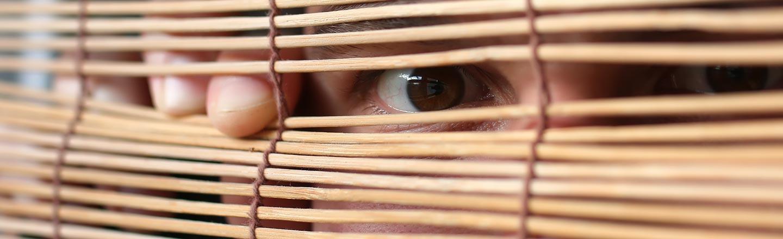 5 Embarrassing Habits Everyone Develops When Living Alone