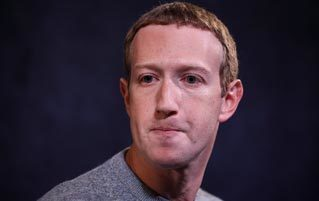4 Reasons Mark Zuckerberg Is A Garbage Supervillain