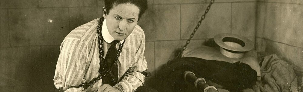 How Harry Houdini Trolled 'Psychics' From The Grave