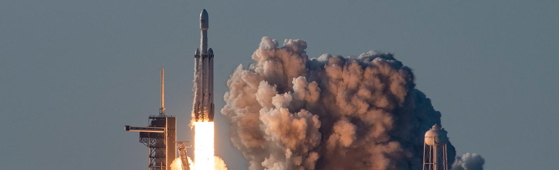 Single Billionaire Seeks Bubbly Female For Moon Vacation