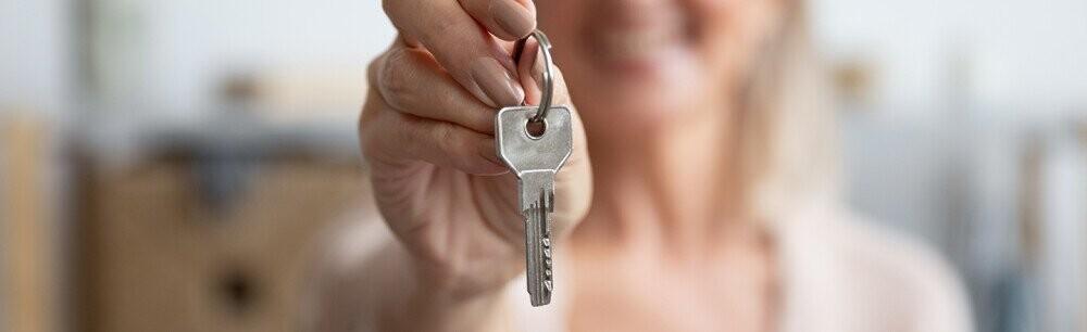 Tell Us Now: 17 Bonkers Landlord Stories