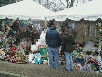 6 Horrifying Realities Of Dealing With Sandy Hook 'Truthers'
