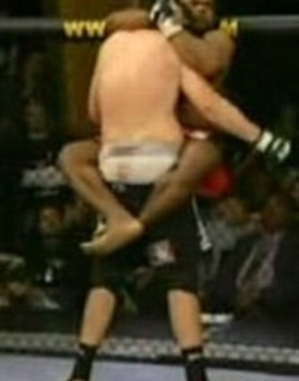 Stink Is A Weapon: 5 Facts Of MMA Fighting (Not Seen On TV)