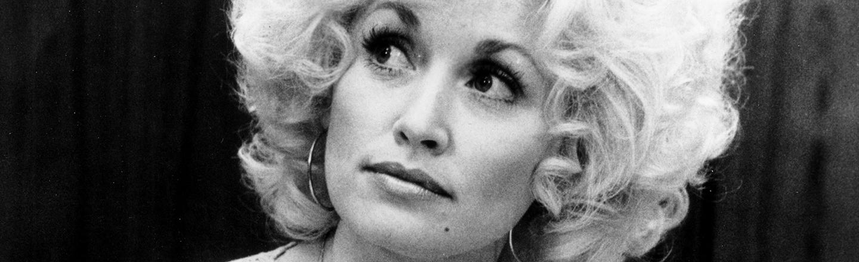 16 Badass, Little-Known Dolly Parton Stories